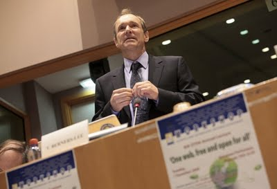 Sir Tim Berners-Lee addresses the European Parliament (Photo: EP Photo Service)